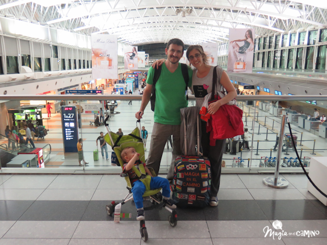 a6c9a89d7fe9 Consejos para viajar en avión con bebés o niños pequeños | Magia en ...